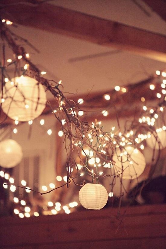 wedding-lights-floating-rustic-lights